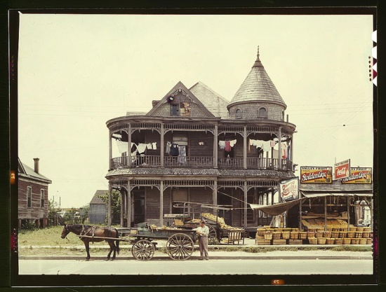 House and fruit stand in Houston, 1943 (Courtesy Library of Congress via the Commons on Flickr)