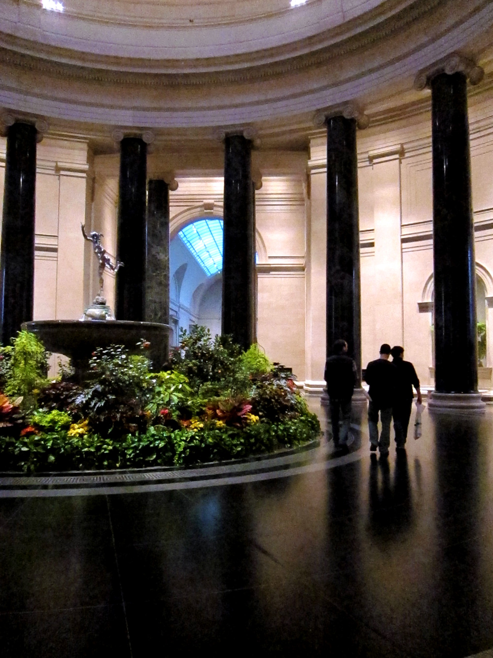 National Gallery of Art rotunda (Washington DC), © 2014 Susan Barsy