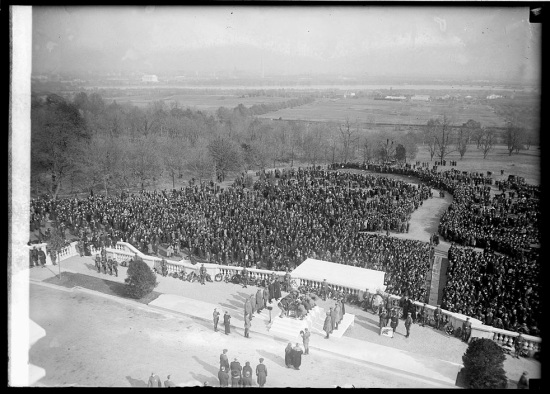 The Unknown Soldier being laid to rest (Courtesy of the Library of Congress)