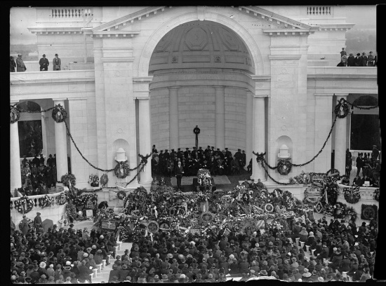 President Warren G Harding beside the remains of the unknown soldier, Arlington Memorial Amphitheater, November 11, 1921 (Courtesy of the library of Congress via Wikipedia)