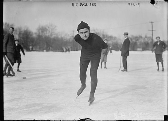 Hugh Palliser skating toward the camera circa 1904 (Courtesy of the Library of Congress)