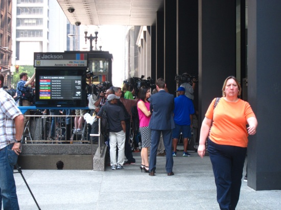 The press waiting for Hastert outside the court (Chicago), © 2015 Susan Barsy